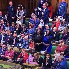 色の持つパワー!英国の国会を見て